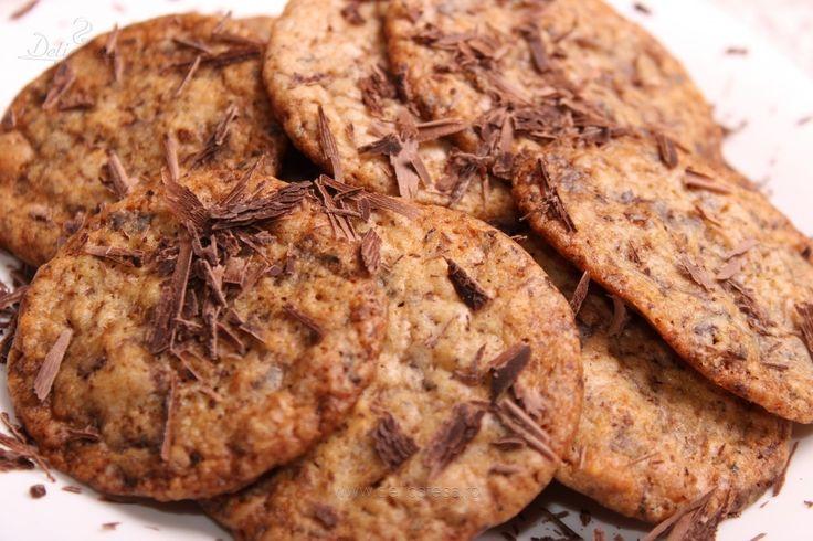 Fursecuri cu alune şi ciocolată