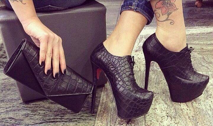 Zapatos taco aguja color negro