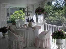 Susie and mark holt ' s porch