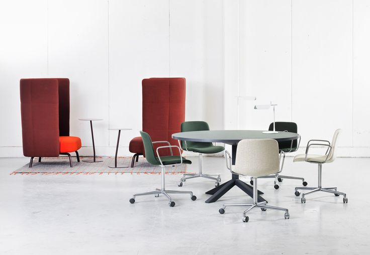The chair series has a multifunctional concept and is now, in addition to steel tubing, also available with woodenlegs in ash, natural or stained, for a..