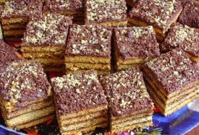 Receptek, cikkek oldala: Bögrés diós szelet, csokoládés diós krémmel, húsvétra!