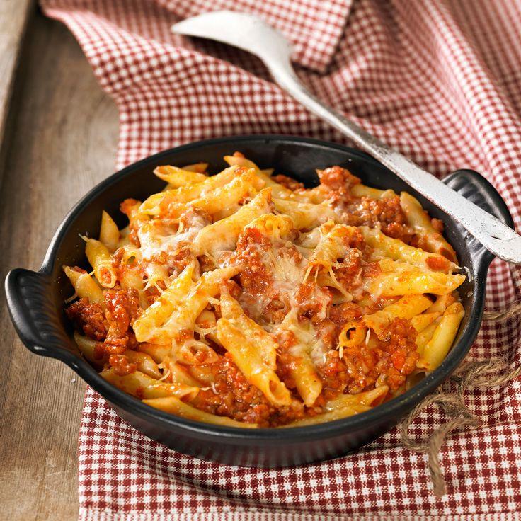 Découvrez la recette Gratin de macaronis sur cuisineactuelle.fr.