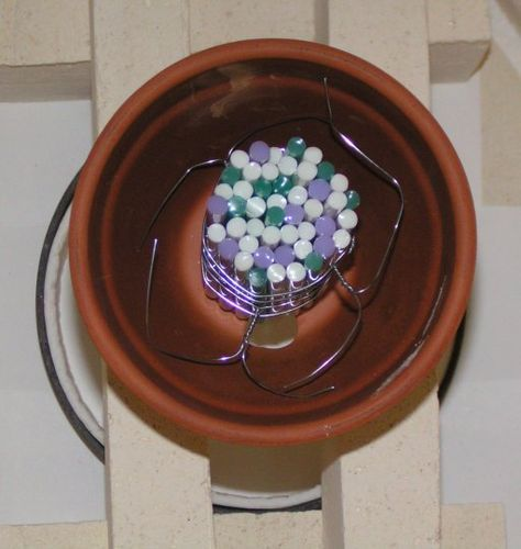 Glassblower.Info - Kiln-Formed Glass: Pot Melt - Pot Drop - Mesh Melt - Warm Glas + Hot Glass = Unique Glass