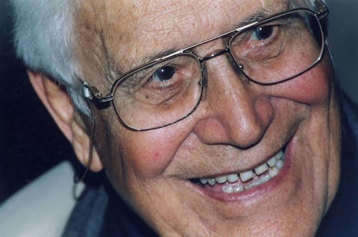Arturo Paoli  (Lucca, 30 novembre 1912) è un presbitero, religioso e missionario italiano, appartenente alla congregazione dei Piccoli Fratelli del Vangelo. È Giusto tra le Nazioni per il suo impegno a favore degli ebrei perseguitati durante la seconda guerra mondiale.   #TuscanyAgriturismoGiratola