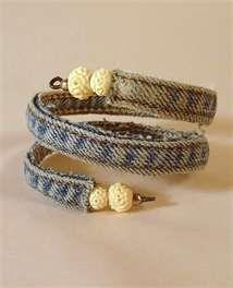 Denim and bead memory wire bracelet: Jeans Bracelets, A Mini-Saia Jeans, Crafts Ideas, Wraps Bracelets, Denim Jeans, Jewelry, Denim Bracelets, Diy, Old Jeans