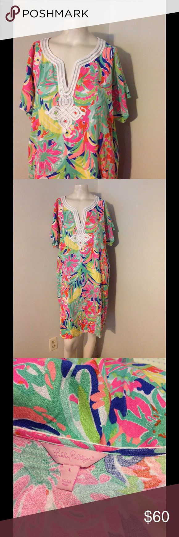 "Lilly Pulitzer Floral Print Rayon Sheath Dress L Beautiful Lilly dress. Made of rayon in size Large. Seems to run big. Great condition. Chest 47"" Hips 48"" Length 37"" Lilly Pulitzer Dresses"