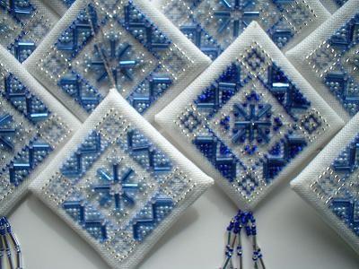 LOVE LOVE LOVE this, Pinwheel!!!  Beautiful job!  Finishing diamond ornaments tutorial