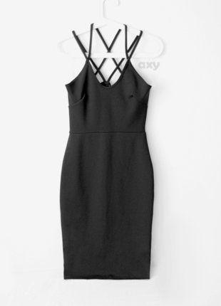 Kup mój przedmiot na #vintedpl http://www.vinted.pl/damska-odziez/krotkie-sukienki/18701563-3-za-2-czarna-olowkowa-midi-na-ramiaczkach