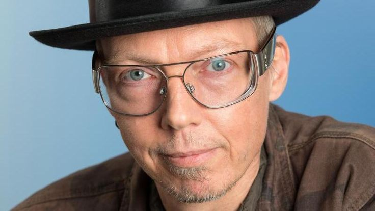 Carsten Mohren was a German keyboardist. He died from CANCER  January 31 2017 at the age of 54.