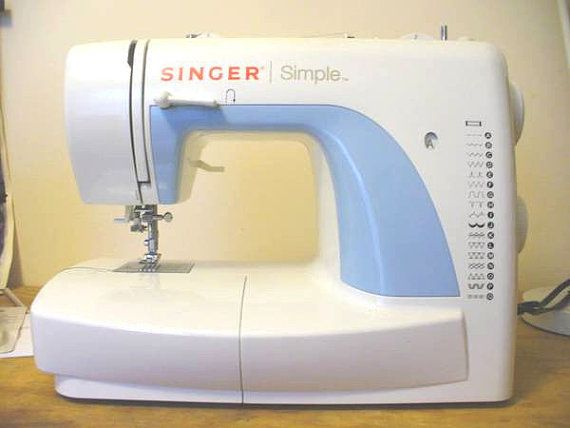 Singer simple sewing machine with case