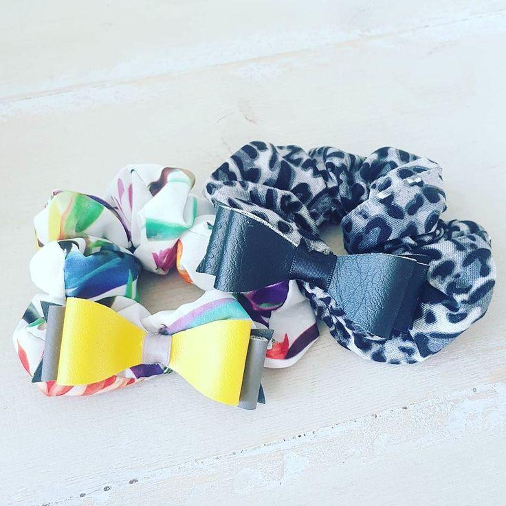 Clip on haar wokkel elastieken? Laten we eens gek doen en  deze ook morgen online zetten. Dus de clip on strikken kunnen niet alleen op de haarbanden geklikt worden maar ook op de wokkels#haarstijlvoorkids #leukvoormeiden #haarvoormeiden #haarwokkels #haarelastiek #hipvoorhaar #hippemeiden #haaraccessoires