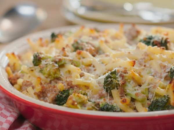 Macaroni met gehakt en broccoli - Libelle Lekker!