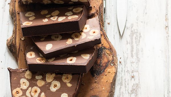 Come descrivere un torrone? Bisogna soltanto provarlo ed ogni parola sarà superflua! Delizioso! #Torrone #nocciole e #cioccolato