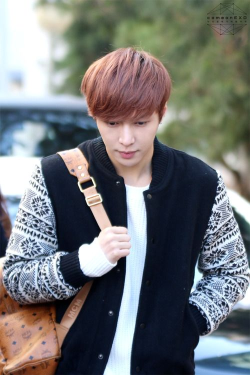 EXO-Lay arriving at Music Bank #kpop
