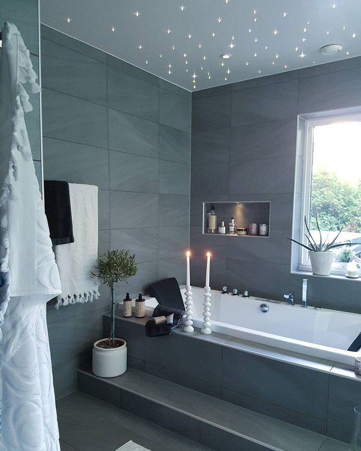 25 y/o ⬅ Interior ➕ Styling ➕ Renoverar ett 70-tals funkis hus ⬅ kontakt & samarbeten ➡ Lindaviktoriawallgren_@live.se ✉ Daniel  Besök min blogg ⬇