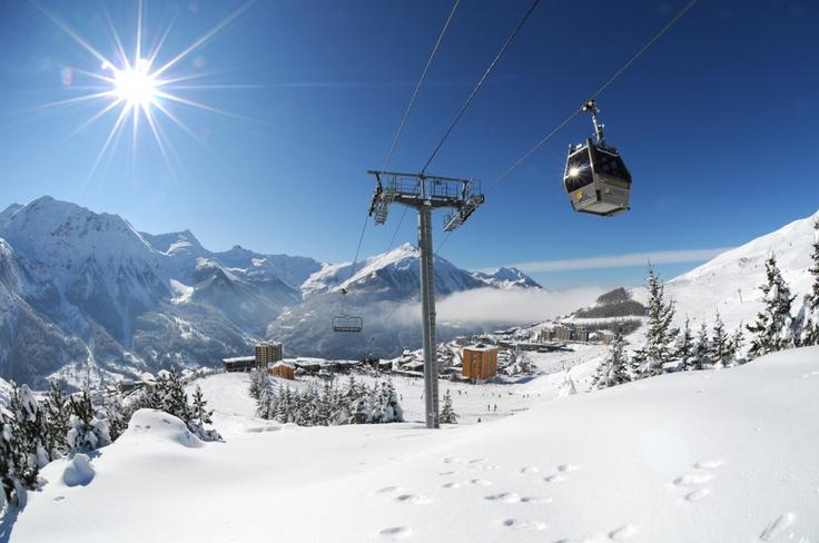 Orcières 1850 : le ski plein sud avec l'enneigement du massif des Écrins... (Photo © Gilles Baron)