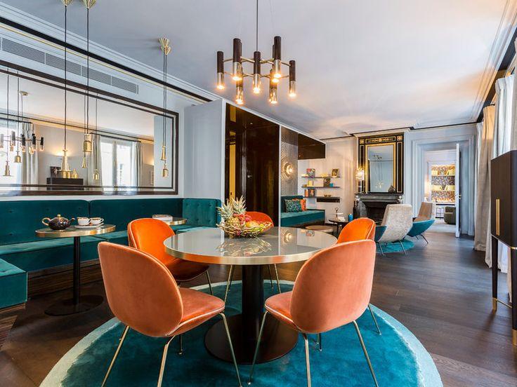 Un salón comedor coloreado de contemporaneidad