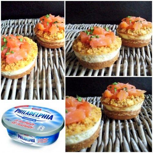 Sur le même modèle que mes premiers cheesecakes , j'ai décidé de tester ceux au saumon. La base : Pour la base, j'utilise des crakers (Tuc®) 1OO gr suffisent ( que je mixe au blender ) Mélangés avec 4O gr de beurre mou ( avec les doigts, c'est plus facile...