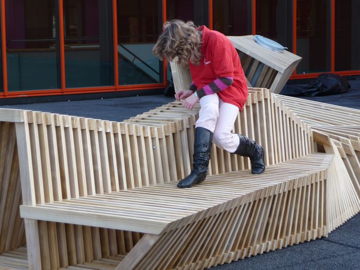 Accoya® wood benches and a waste container were made for the roof terrace of the Picasso High School. #accoya #wood