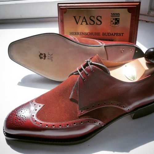 http://chicerman.com ascotshoes: Mixing Calf and Suede is a pleasurable experience. My marginal utility never diminish playing with the array of colours. I We are an online shoe shop based in the UK that specialise in hand made Vass Shoes. Please email Sammy for no obligation advice on Sizing Fitting Made To Order MTO Stock & Prices. All our Vass shoes are individually hand stitched with the upmost attention to detail and aesthetically finished to meet all client needs. Certain models are…