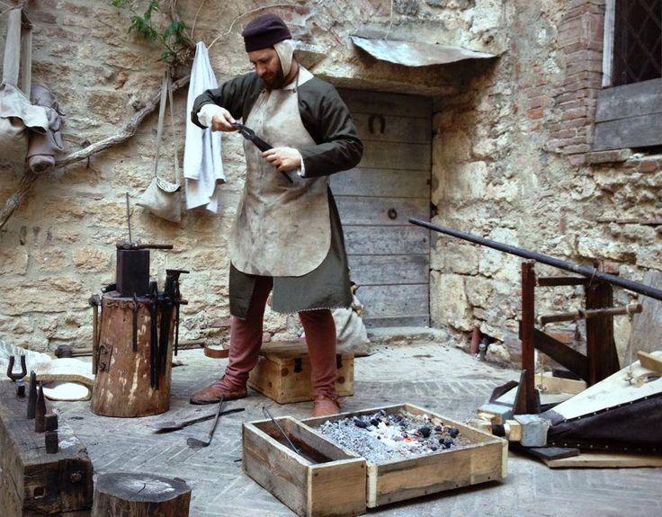 Mobili medievali ~ Best mercati medievali medieval markets images