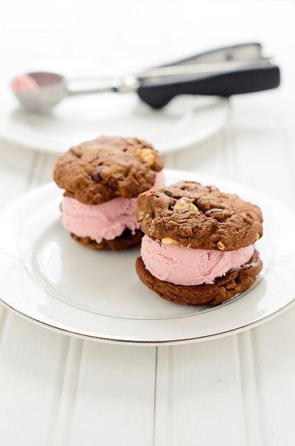raspberry ice cream sandwiches