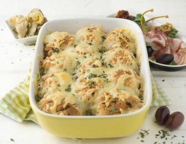 Parmesanbuchteln mit Antipasti und Pancetta