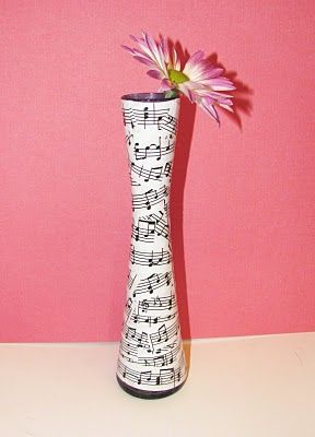 itmom: Musical Sheet Vase Tutorial