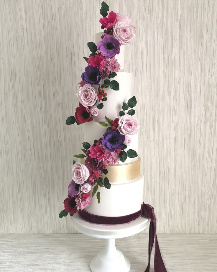 Purple Wedding Ideas With Pretty Details: Pin By Leah Coetzee On Pretty Cake Creations