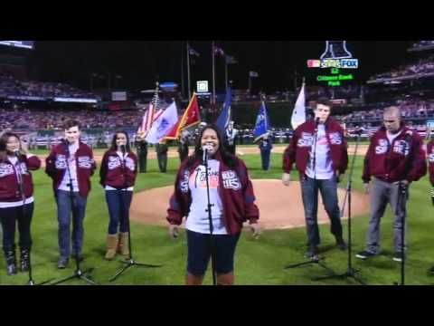 [HD] Cast Of Glee - USA National Anthem (Live At World Series Game 3) - YouTube