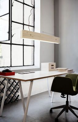 Scopri Sospensione Plank LED -Pioppo chiaro di Northern Lighting, Made In Design Italia