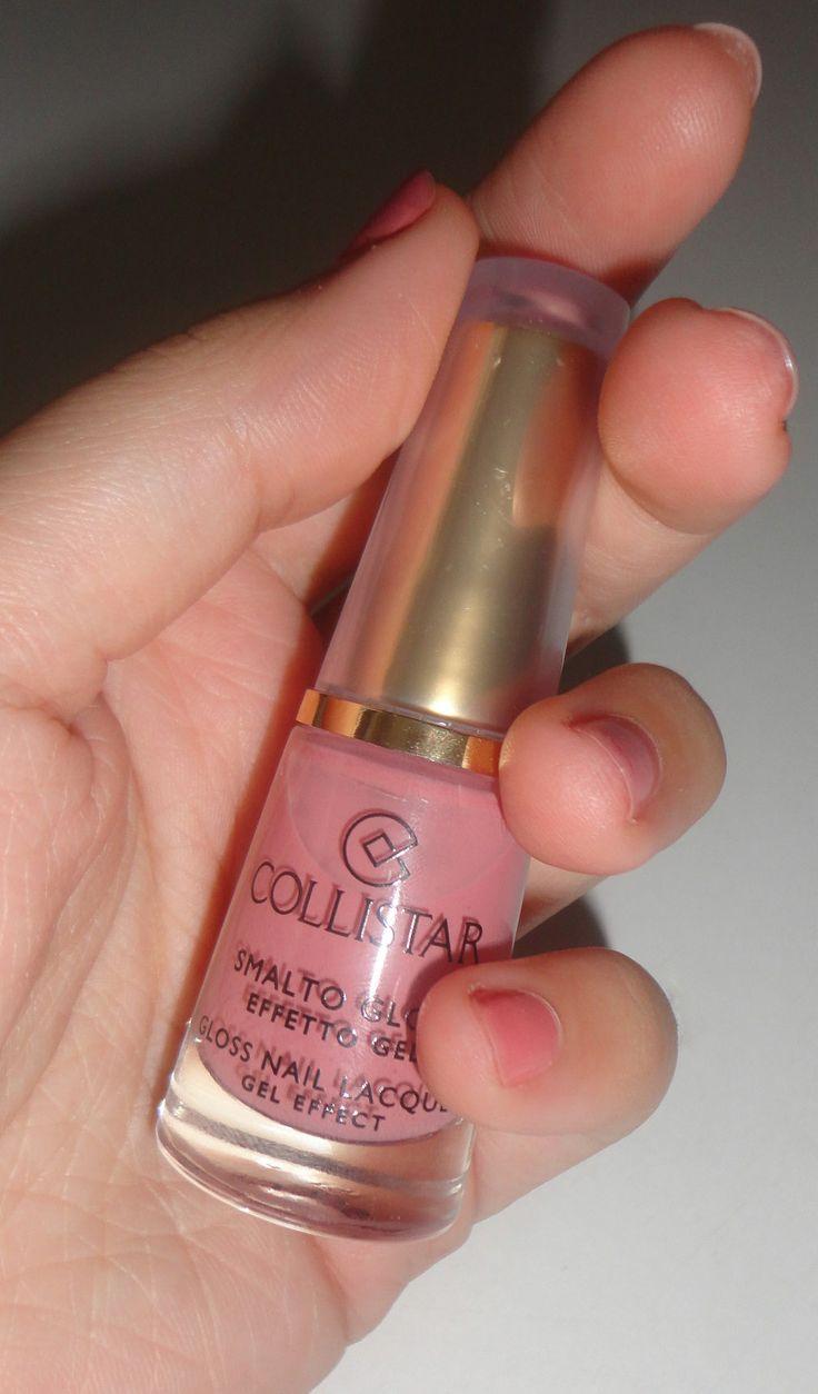 Natural & Classic & Nude Nails Elegant Rose Collistar http://www.prettybeautyblog.com/2013/10/30/smalto-collistar-n-514-rosa-elegante/