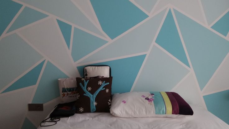 DIY wall paint - Blue it's her fave color