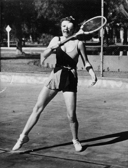 Game of tennis in bathing suit by Acmé, 1932. National Library of France, Public Domain