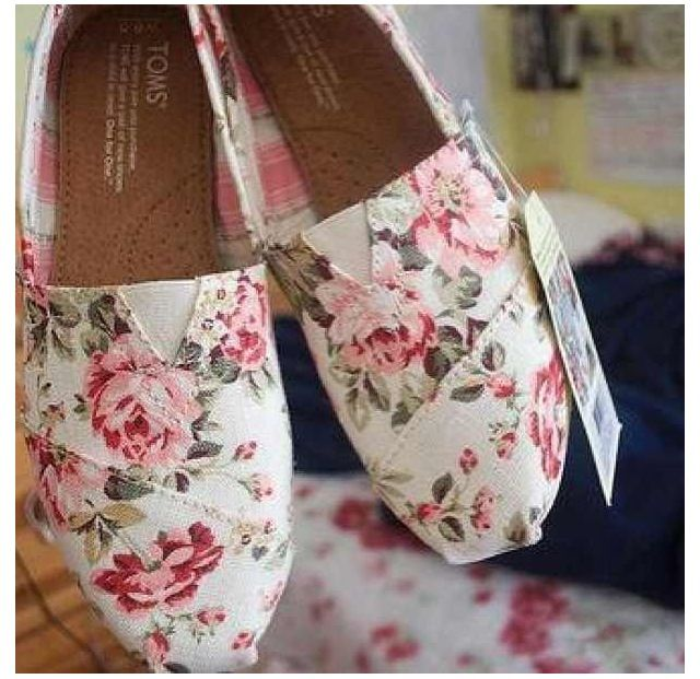 I really want a pair of floral toms! They are so Cute!