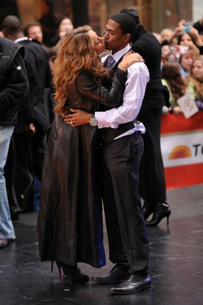 """Mariah Carey Photos - Singer Mariah Carey and her husband actor Nick Cannon appear on NBC's """"Today"""" at Rockefeller Center on October 2, 2009 in New York City. - Mariah Carey Performs On NBC's """"Today"""""""