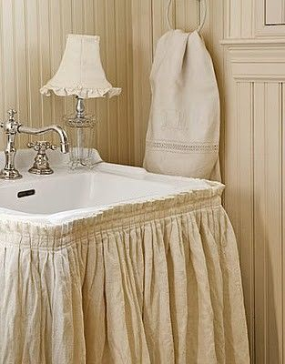 I did this about 30 years ago in Scott's bath and my family all made fun of me!  If I still had a pedestal sink, I'd do it again.