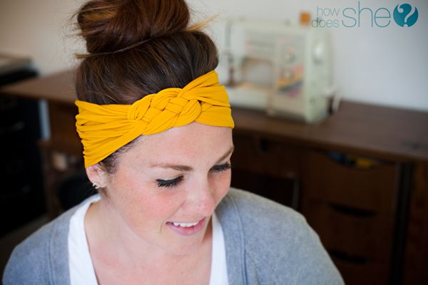 Turn your Old Nylons into a Headband! These are so simple and incredibly comfortable! Love the bright colors too! Who would've thought? | How Does She...