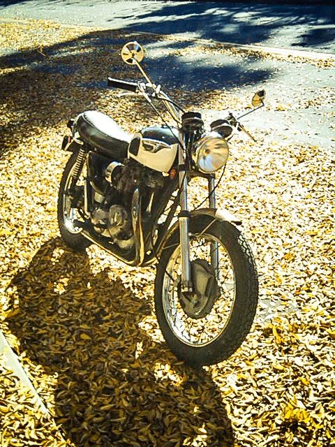 1972 Triumph Bonneville 650 T-120 before paint after restoration