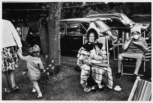 Tony Ray-Jones, Dickens festival, Broadstairs,c 1967