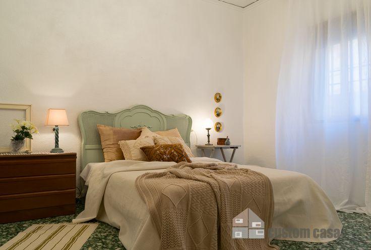 Home staging en casa de pueblo en venta. Muebles customizados para proyectar una imagen más fresca y actual. #homestaging #vendercasa #casadepueblo #dormitorio #vintage