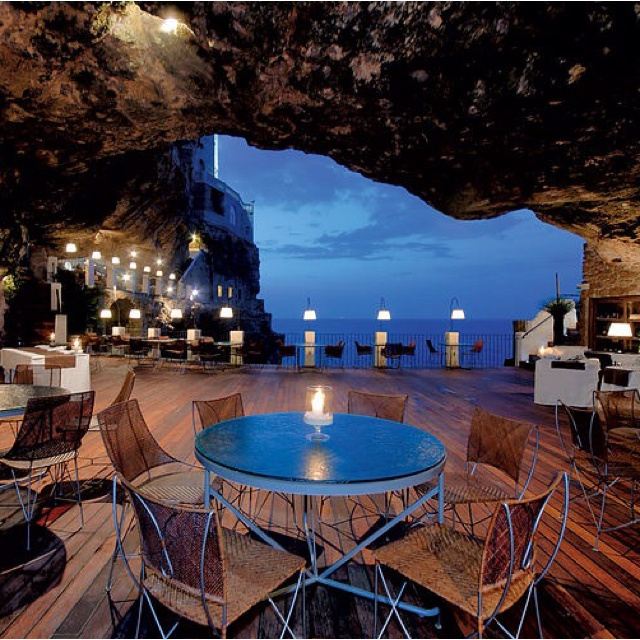Restaurant in italy GROTTA PALAZZESE