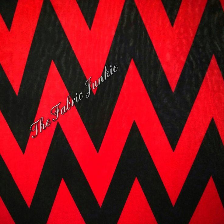 Poly lycra ity chevron tricot tissu cerise rouge, noir par THEFABRICJUNKIELLC sur Etsy https://www.etsy.com/ca-fr/listing/281366492/poly-lycra-ity-chevron-tricot-tissu