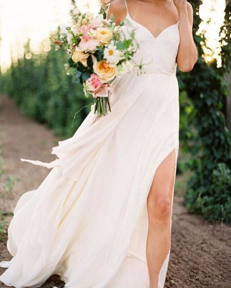 low budget wedding new jersey%0A Wedding   Bride   White   Flowers   Summer   More on Fashionchick nl