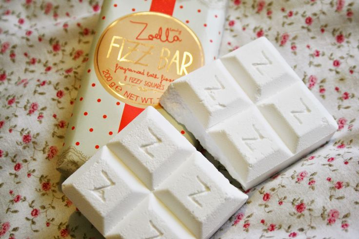 Floral Danielle: Zoella Beauty range - Blissful Mistful and Fizz Bar!