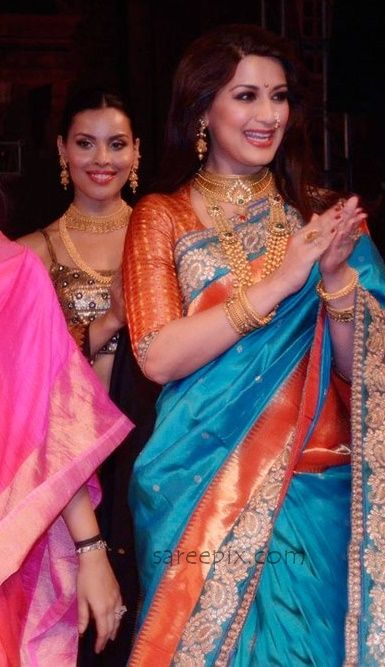 Sonali bendre in pythani saree photos at Make in India textile show. Wearing that traditional silk saree, she walked the ramp for designer Shaina NC.