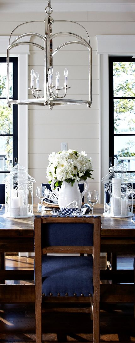 A Navy And White Color Palette With Wooden Furniture Creates Cozy Country Dining Room Made More Sophisticated Elegant Home Accessories