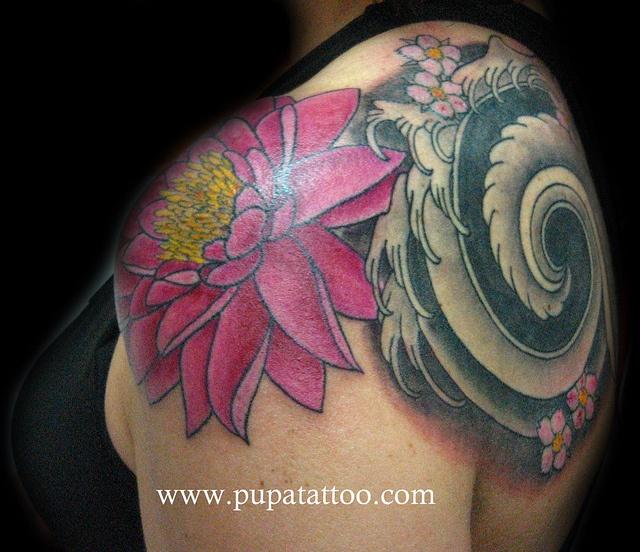 Tatuaje flor de loto Pupa Tattoo Granada by Marzia PUPA Tattoo, via Flickr