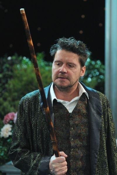 Czesław (w tej roli Wojciech Adamczyk) uknuł intrygę (fot. Jan Bogacz)