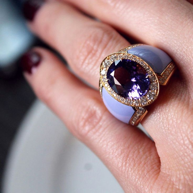 @thejewelleryed. A trend we saw echo throughout Baselworld and beyond is tanzanite in all its glorious variations. Take this Doris Hangartner tanzanite and ceramic ring, which has an unusual lavender hue. @dorishangartner